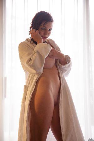 Felicia davies nude