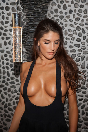 August Ames Natural Beauty Zishy