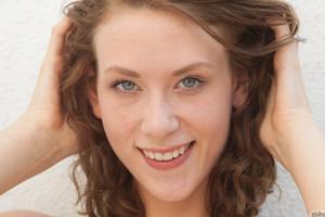 Anya Amsel Beautiful Smile Zishy